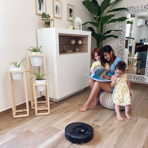 Ti racconto una storia vera! Ogni giorno puoi dedicarti alla tua famiglia mentre Roomba pulisce alla perfezione i pavimenti di casa tua. #repost @__brigida___  #homesweethome #home #homedecor #homestyle #cozy #cozyhome #casa #casadolcecasa #interiordesign #interior #inspiration #inspired #inspire #house #homedesign #decor #decoration #homes #homeinterior #homeideas